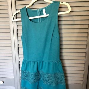 Super cute Xhilaration dress. Green. Size Small